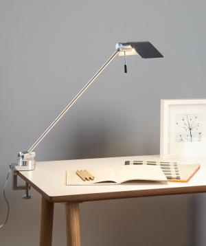 Attik lampada tavolo con morsetto